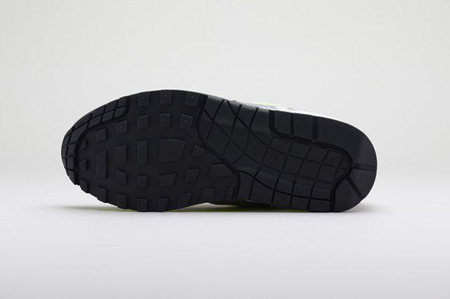 Nike Sportswear Polarizing Artist Colab Pack 1