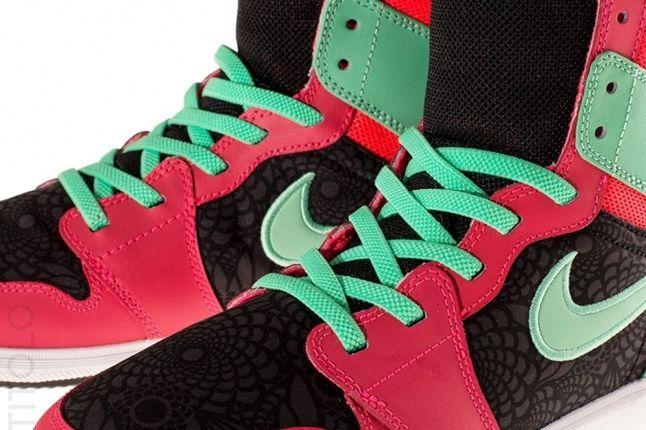 Air Jordan 1 Skinny High Atomic Red 2