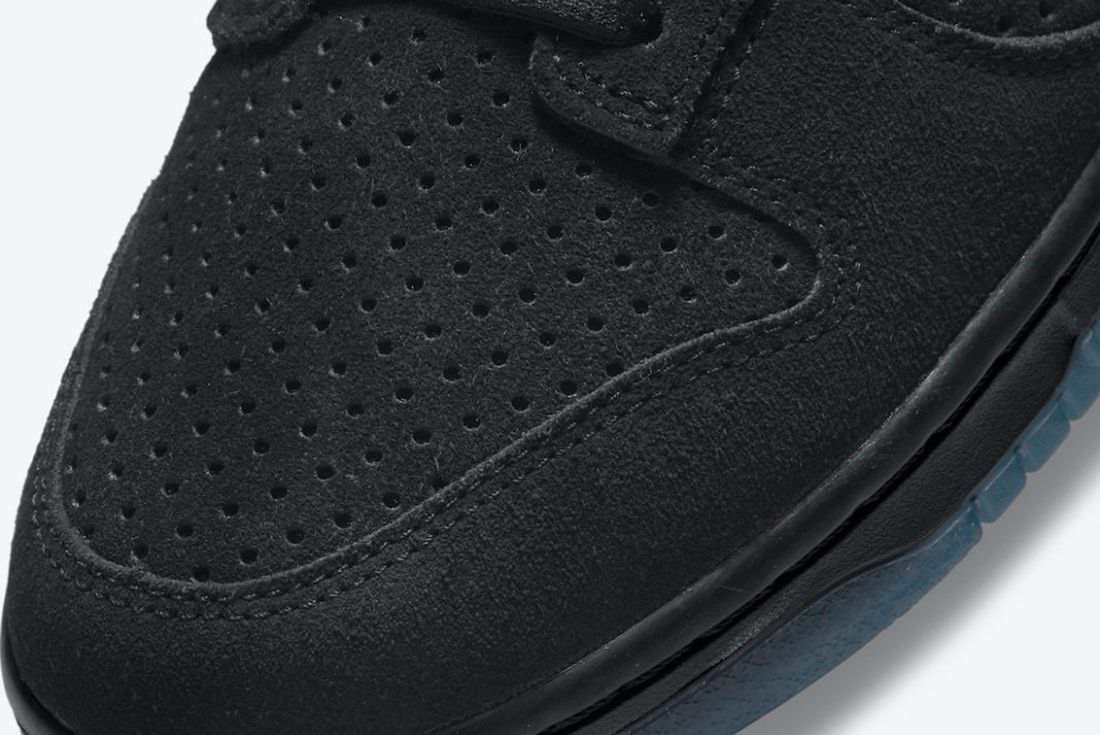 UNDEFEATED x Nike Dunk Low 'Dunk vs AF-1' Pack triple black