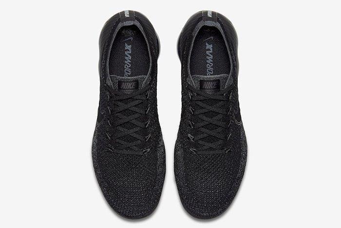 Nike Air Vapormax Triple Black 3