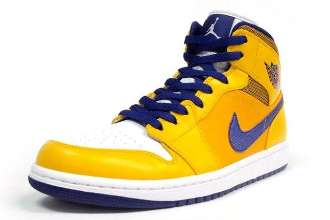 Air Jordan 1 Lakers Angle 1