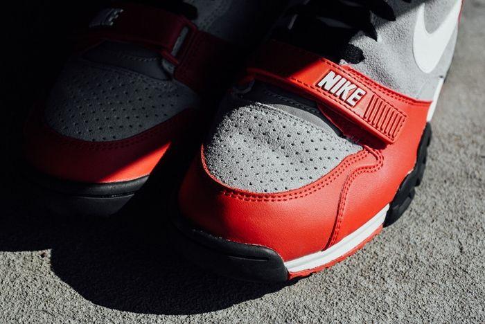 Nike At1 Wolf Grey Uni Red Sneak Politics Bump 3