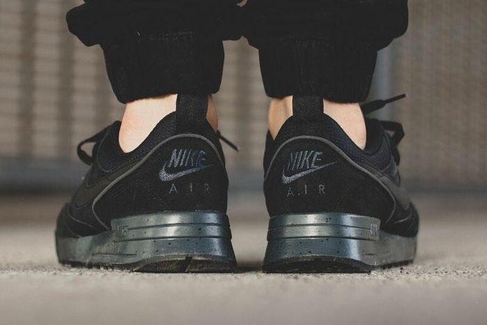 Nike Odyssey Black 8