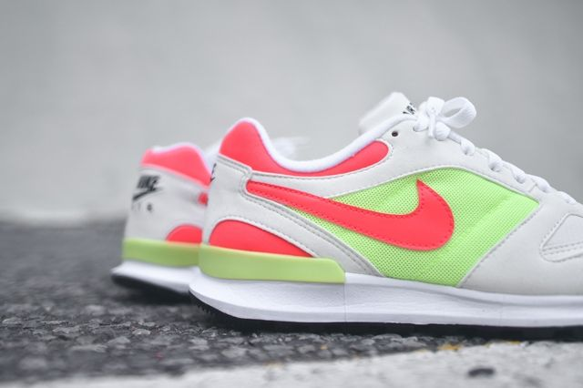 Nike Air Pegasus Racer Hot Lime Solar Red 4