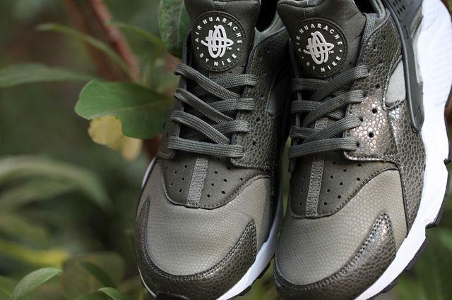 Nike Huarache Wmns Cargo Khaki 5