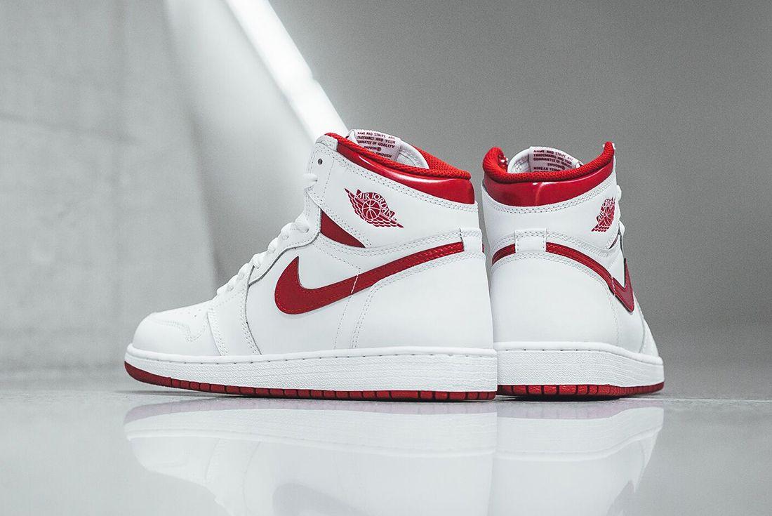 Air Jordan 1 High Og Metallic Red4 1