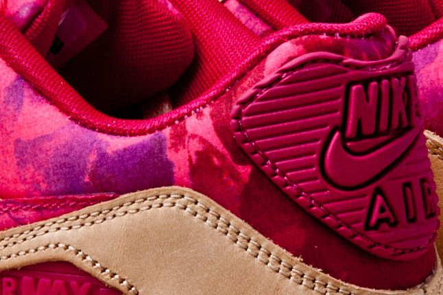 Nike Air Max 90 Womens Floral Tan Heel Detail 1