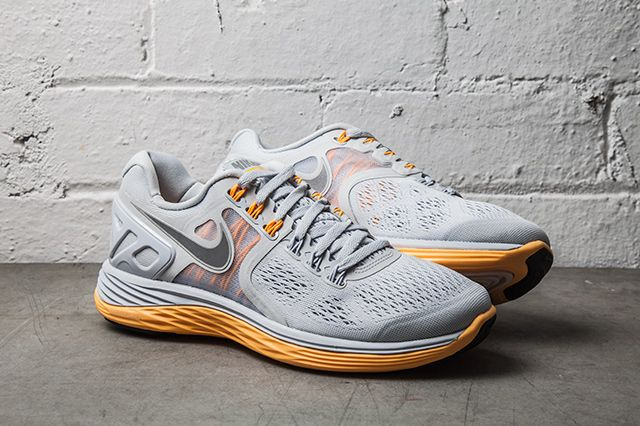 Nike Lunareclipse 4 Pure Platinum Atomic Mango 1