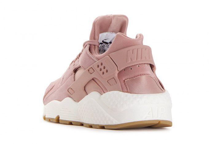Nike Air Huarache Run Particle Pink