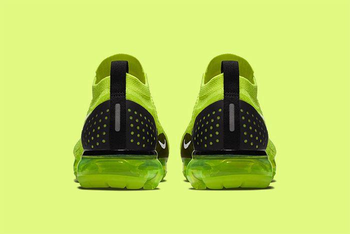 Nike Vapormax Volt 4