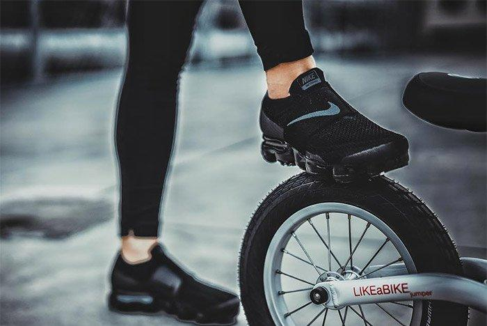 Nike Air Vapormax Strap On Foot 3