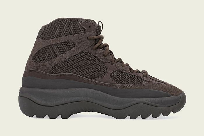 Adidas Yeezy Desert Boot Oil Release Date Lateral