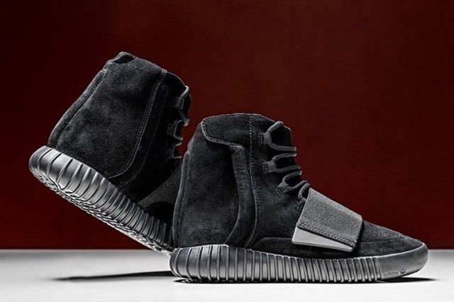 Adidas Originals Triple Black Yeezy Boost 750 3 640X4261