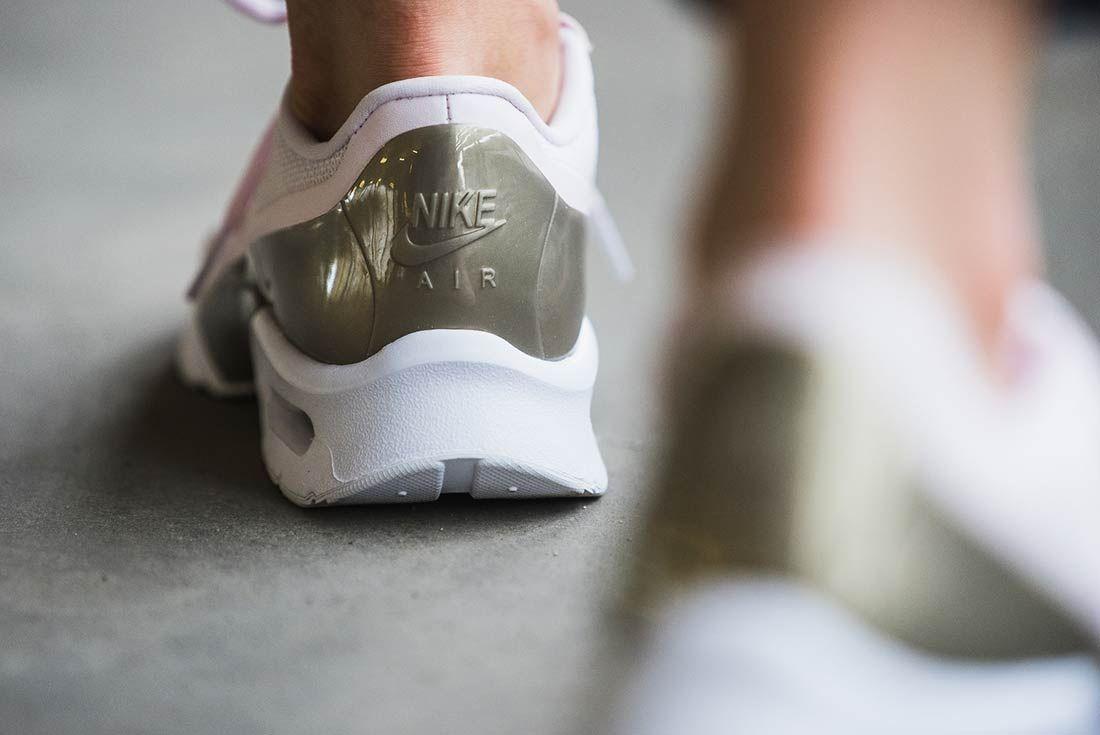 Nike Air Max Jewel Pearl Pink 2