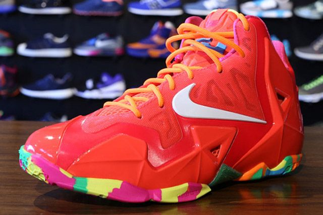 Nike Lebron 11 Gs Laser Crimson Perspective