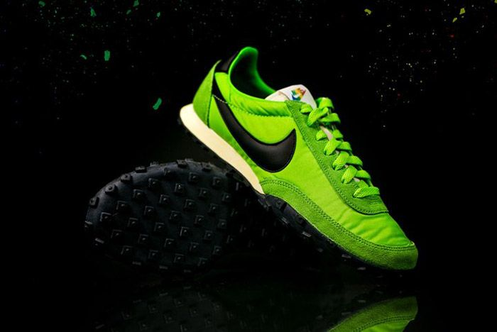 Nike Waffle Racer Premium 17 Action Green 2