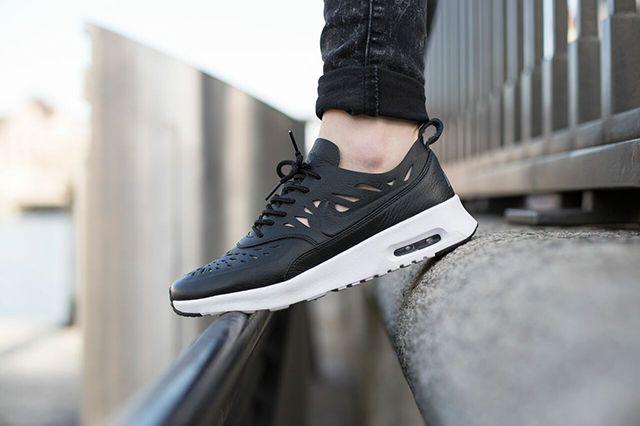 Nike Air Max Thea Joli Bump 4