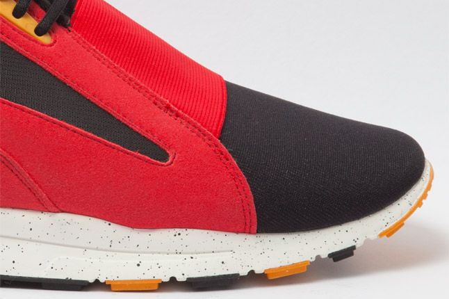 Nike Air Current Red Side Toe 1