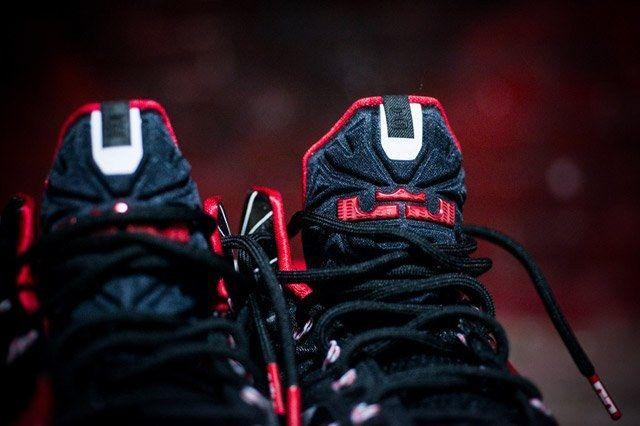 Nike Lebron 11 Grafitti Tongue