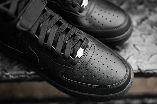 Nike Air Force 1 Black Black 2