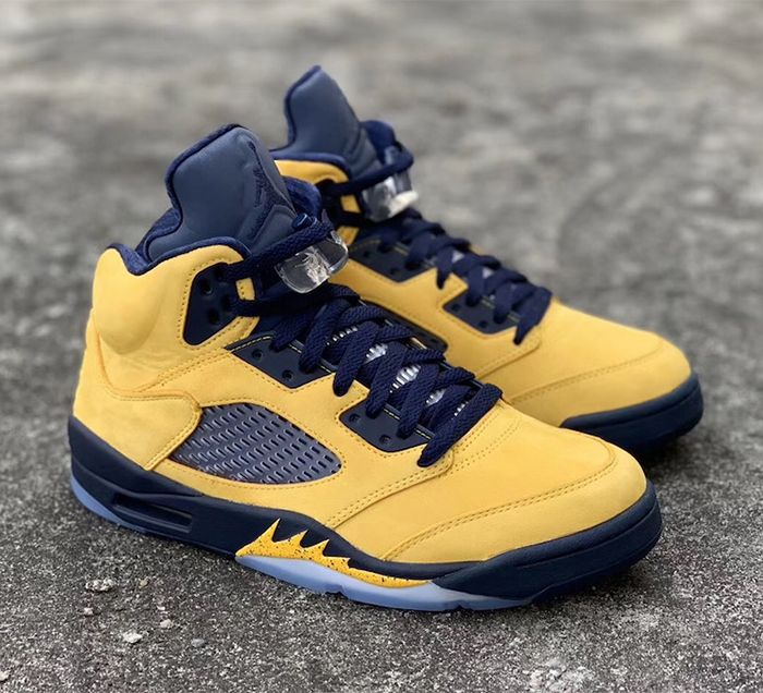 Air Jordan 5 Inspire Michigan 2019 Right