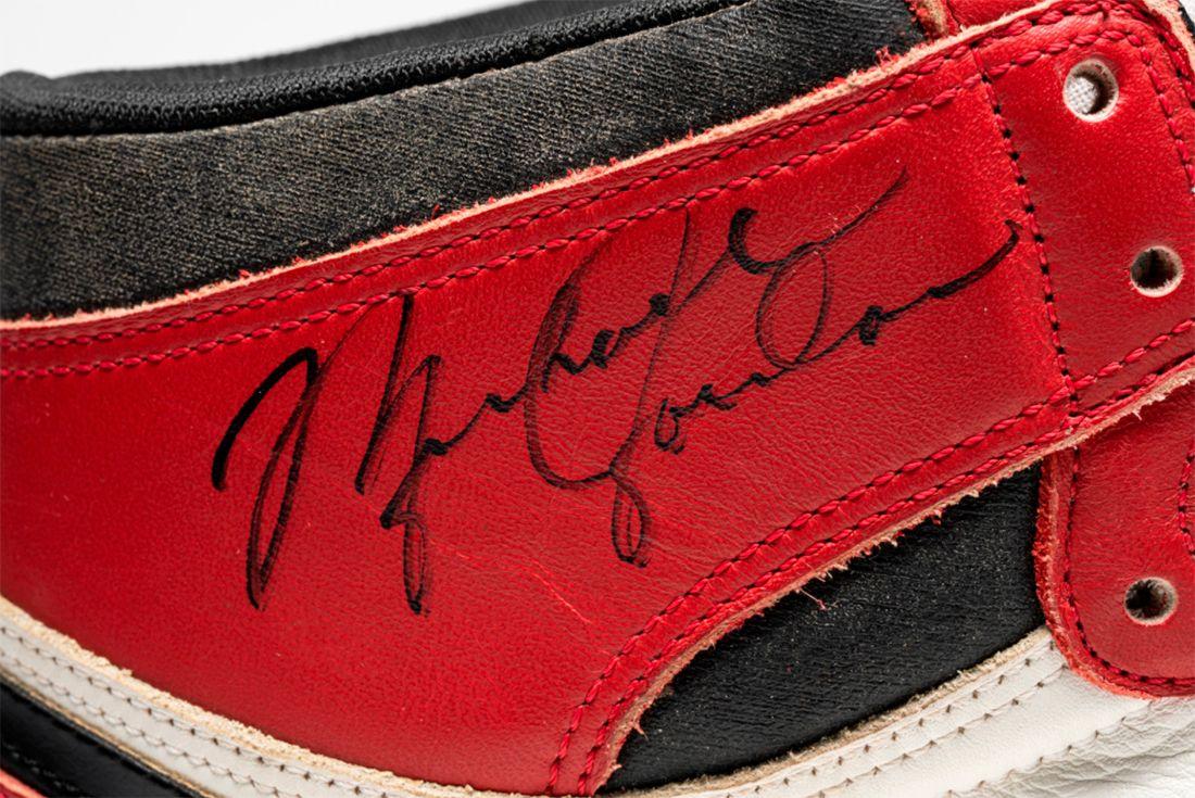 Air Jordan 1 TYPS MJ Signed Player Exclusive Signature