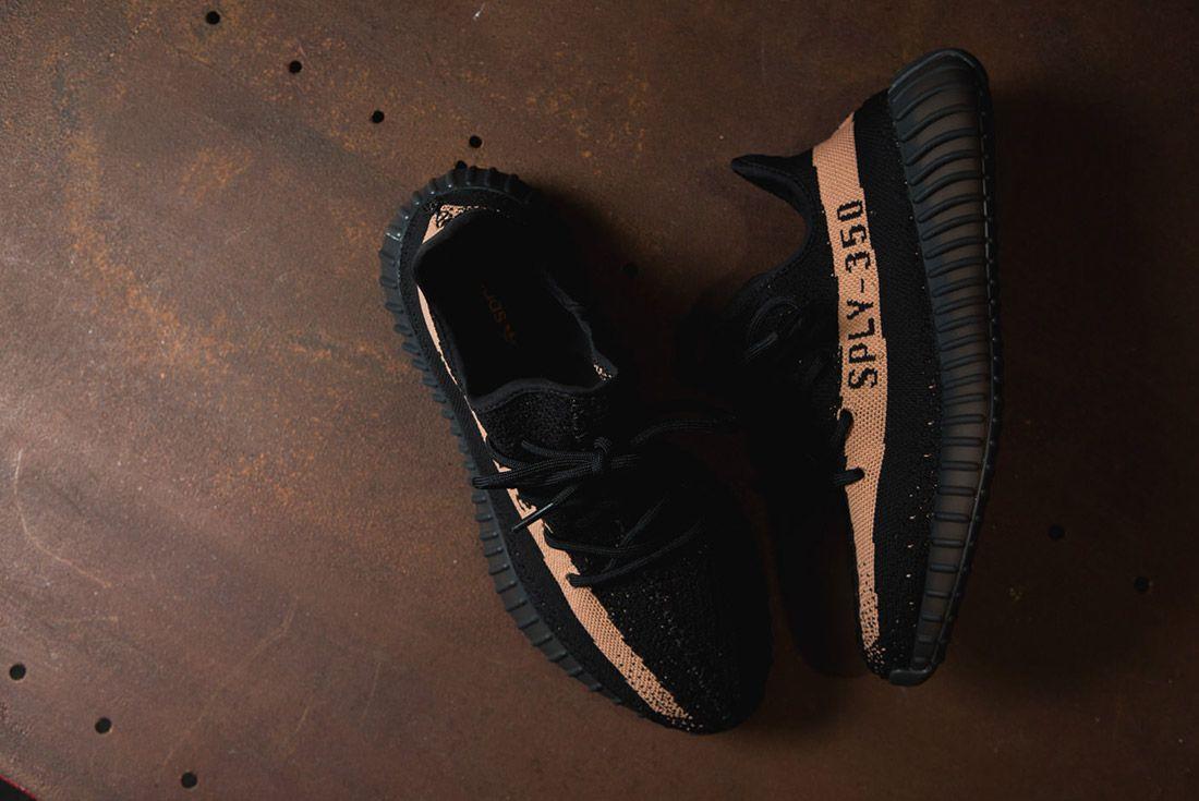 Adidas Originals Yeezy Boost 350 V2 Black Copper Solar Red Green 77