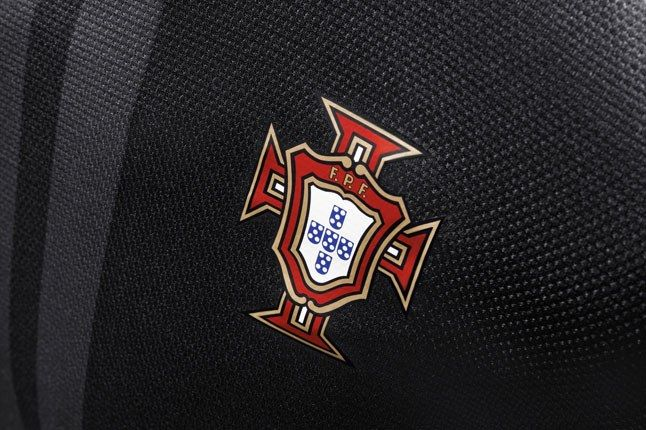 Nike Football Portugal Away Jersey Coat Of Arms 1