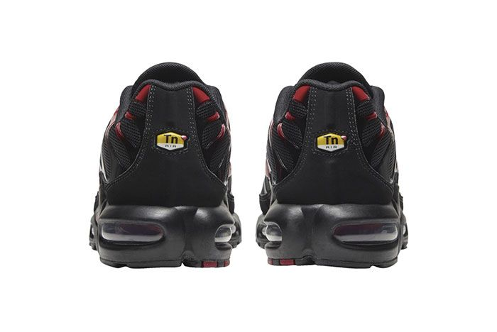 Nike Air Max Plus Black Red Heel