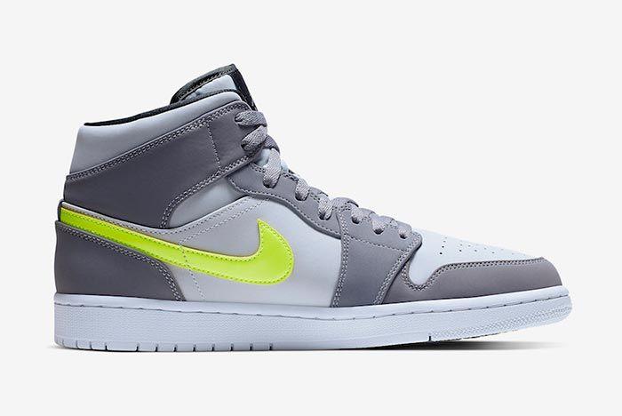 Air Jordan 1 Neon Dark Grey 554724 072 Right Side Shot