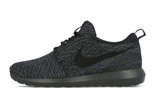 Nike Flyknit Roshe Run (Triple Black