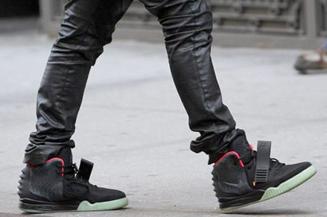 Nike Air Yeezy 2 2 2