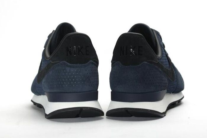 Nike Internationalist Lx Dark Obsidian 4