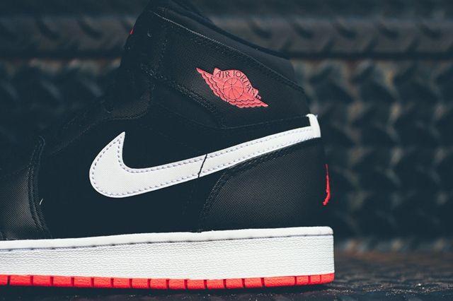 Air Jordan 1 Black Hot Lava 2
