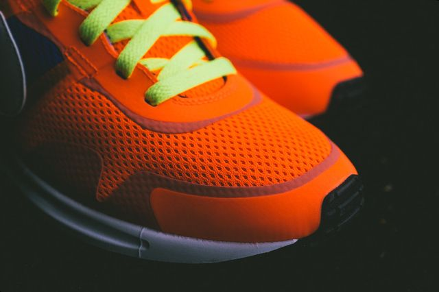 Nike Air Pegasus 8330 Hyper Crimson Hyper Cobalt 1
