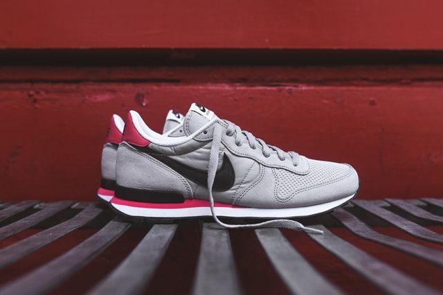 Nike Internationlist Neutral Grey Infrared 1