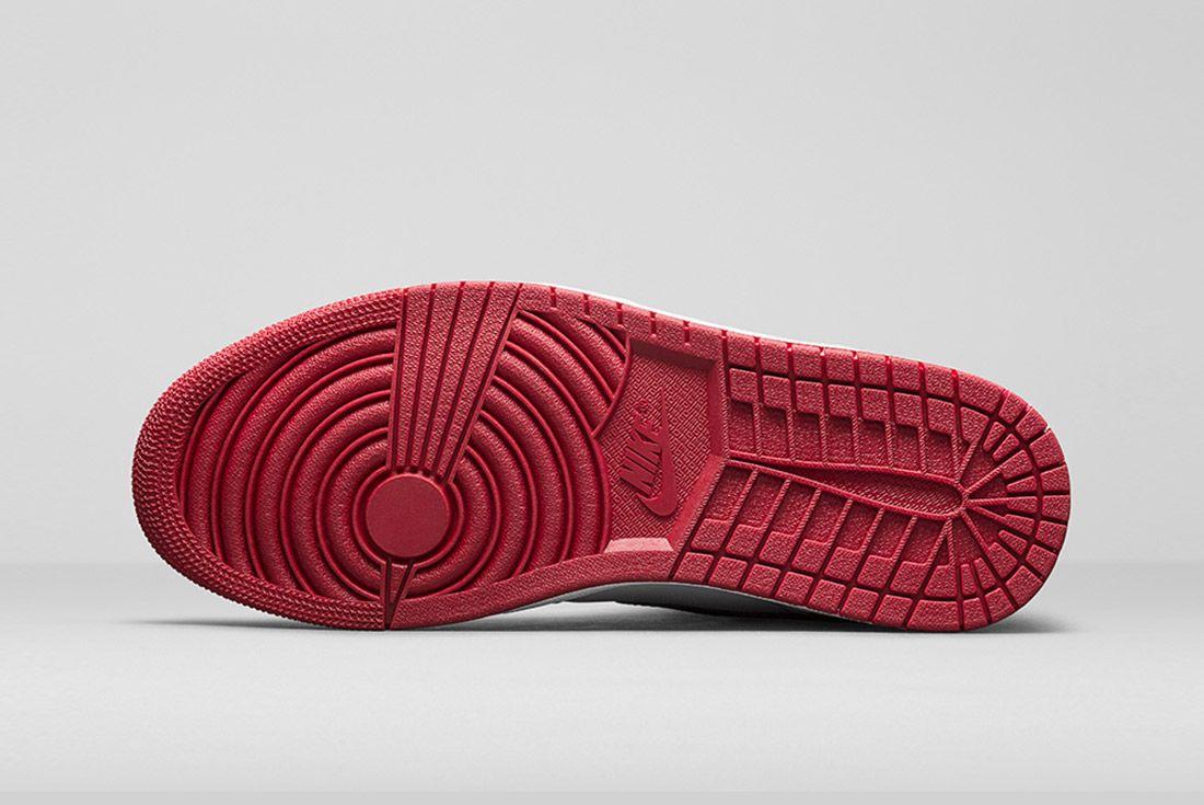 Air Jordan 1 Blck Toe 3