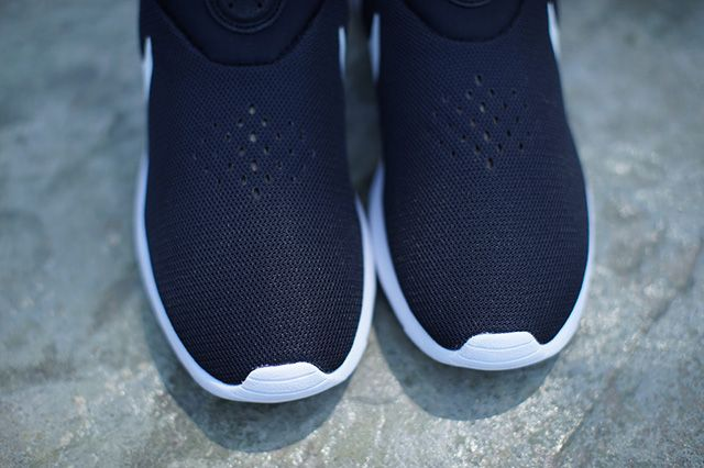 Nike Roshe Run Slip On Monochrome 2