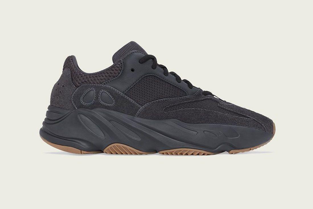 Adidas Yeezy Boost 700 V2 Vanta Utility Black Lateral Side Shot