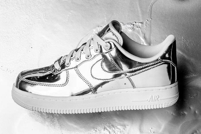 Nike Air Force 1 Liquid Metal Silver Lateral Side