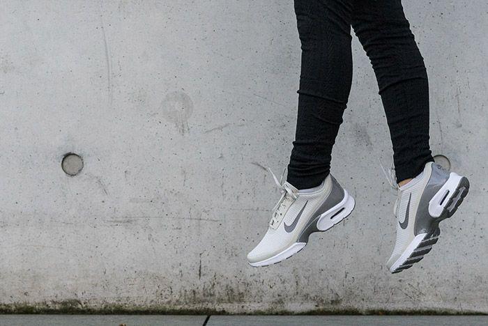 Nike Air Max Jewell Light Bone 3