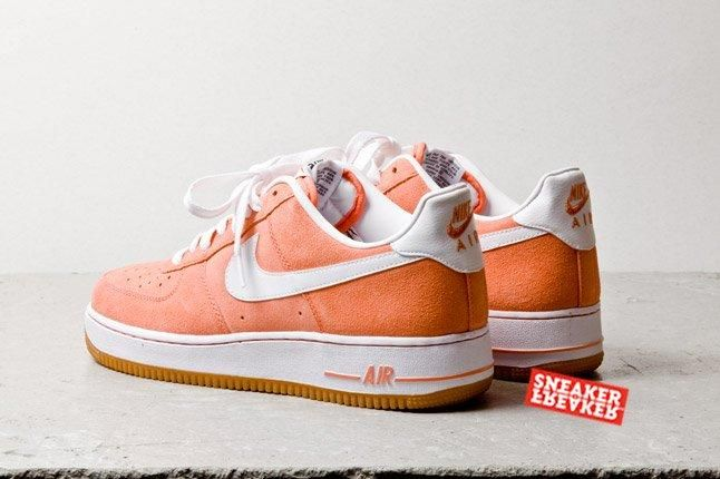 Nike Air Force 1 Low Suede Salmon Heel Quarter