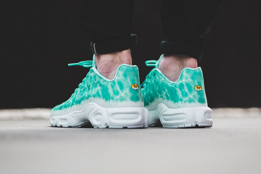 Nike Air Max Plus Swimming Pool23