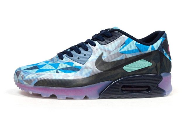 Air Max 90 Ice Blue Sideview