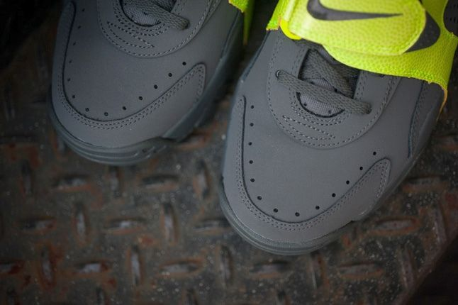 Nike Air Veer Volt 5