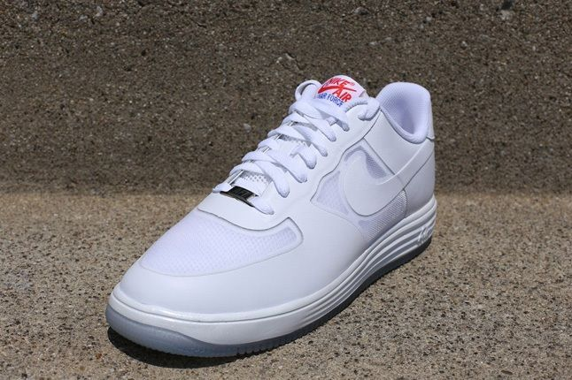 Nike Lunar Force1 Lthr White White Chilling Red Front Quarter 1