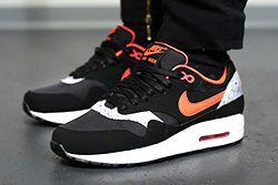 Nike Wmns Air Max 1 Valentines Day Queen Of Hearts Thumb