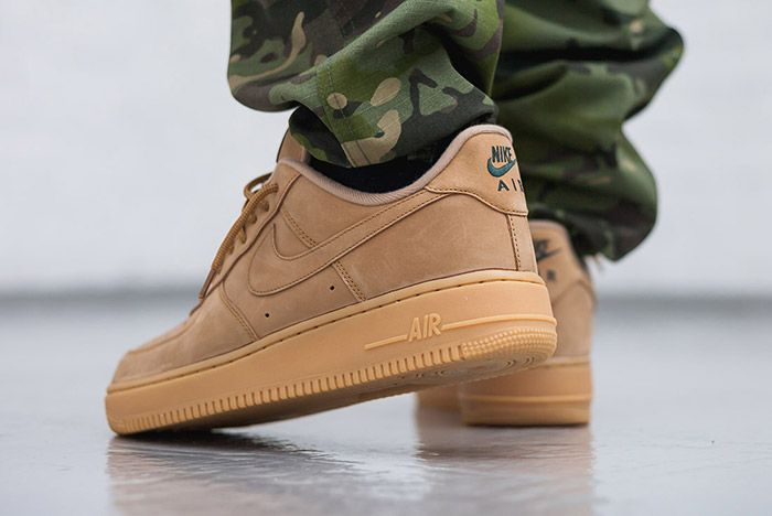 Nike Air Force 1 07 Low Flax Wheat Small