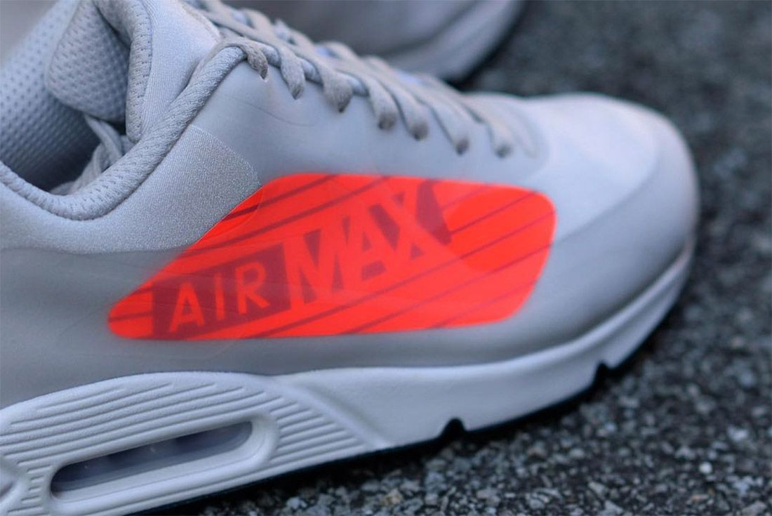 The Am90 Gets Maxed Out With Over Sized Branding3