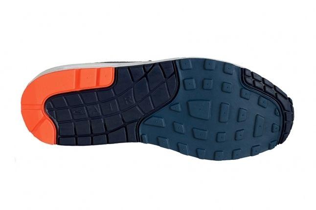 Nike Am1 Essentials Orange Turquoise Sole 1